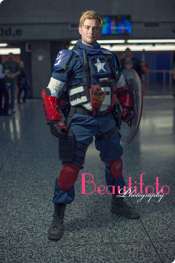 Captain America cosplay from the Montreal Comiccon 2013